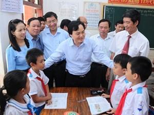 Bộ trưởng Phùng Xuân Nhạ giao nhiệm vụ trọng tâm trước thềm năm học mới