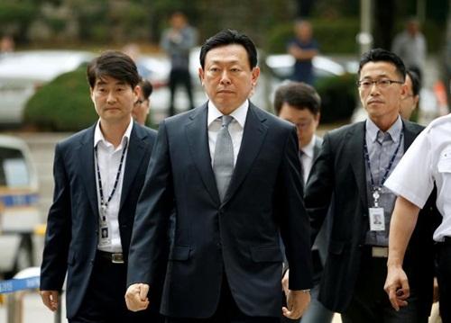 Chủ tịch Lotte bị kết án tù