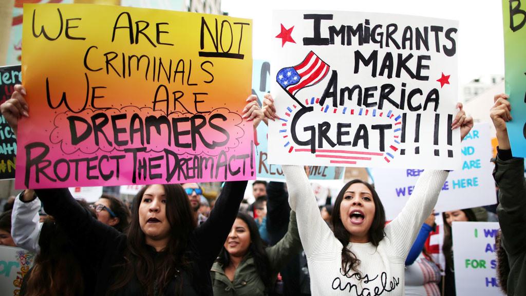 Bị chỉ trích, chính quyền Mỹ có thể ban hành luật nhập cư mới