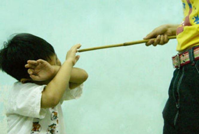 Nhiều cách dạy của phụ huynh, thầy cô giáo đang vi phạm pháp luật