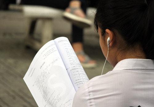 Nhiều học sinh THCS có biểu hiện tự hủy hoại bản thân