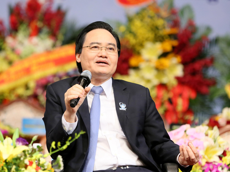 Bộ trưởng Phùng Xuân Nhạ: Sinh viên cần 'nhúng mình' vào thực tế