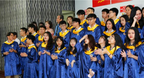 Lời tri ân của tập thể học sinh khối lớp 12 Trường THCS,THPT Duy Tân