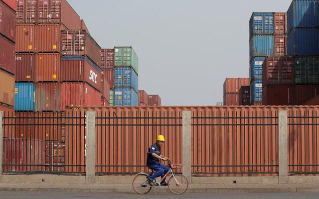 Chuyên gia kinh tế cấp cao Hoa Kỳ: Việt Nam đã nhanh chóng nắm bắt cơ hội từ chiến tranh thương mại Mỹ Trung, thật ấn tượng với một nước nhỏ!