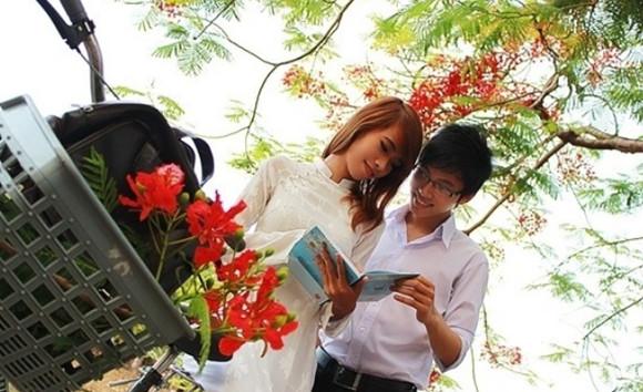 THÁNG NĂM HOA PHƯỢNG NỞ  <br> Sedona Thùy Trang