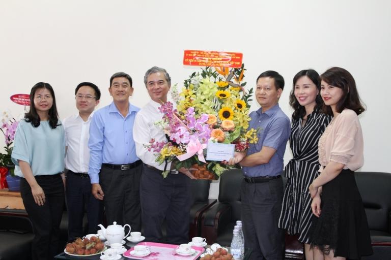 Lãnh đạo TPHCM chúc mừng cơ quan đại diện Báo Điện tử Chính phủ