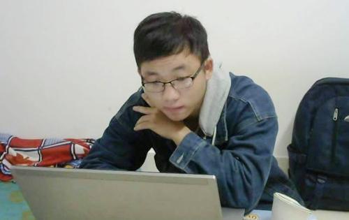 Nam sinh 19 tuổi trở thành lập trình viên sau 4 tháng học trực tuyến