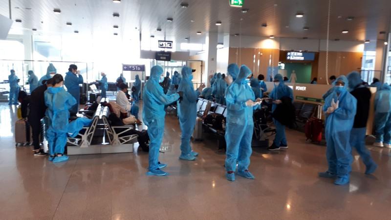 Đón hơn 300 công dân Việt Nam từ Thụy Điển và Phần Lan về nước
