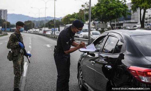 Malaysia cách ly hơn 10.000 cảnh sát do Covid-19