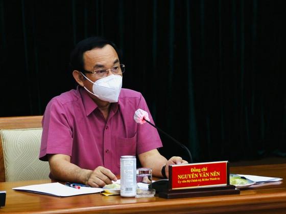 Bí thư Thành ủy TPHCM Nguyễn Văn Nên: TPHCM tiếp tục giãn cách thêm 2 tuần