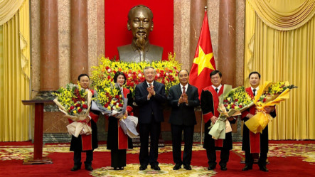 Chủ tịch nước trao quyết định bổ nhiệm 4 Thẩm phán TAND Tối cao